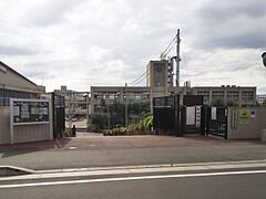 宇治市立東宇治中学校 - Wikipedia (180396)