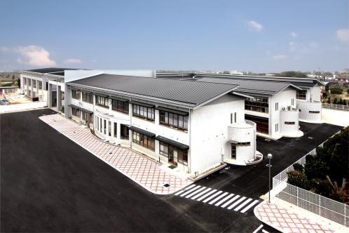 山川中学校 - しあわせつくる晴れのまち みやま (183428)