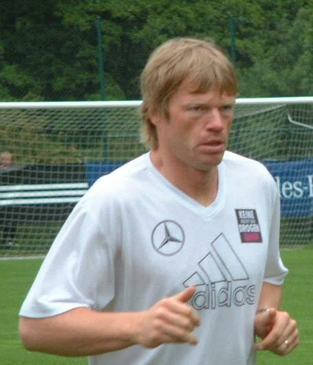 File:Oliver Kahn 06-2004.jpg - Wikimedia Commons (200438)