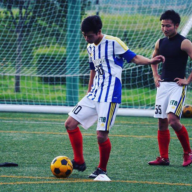 "eneed on Instagram: ""インサイド12連発#西町グランド #soccer #サッカー #eneed #インサイドキック"" (24923)"