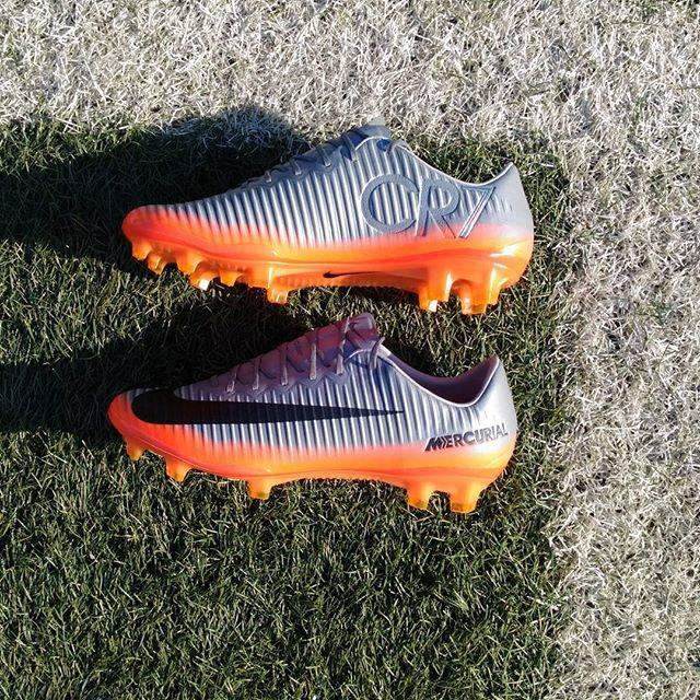 "soccerlounge on Instagram: ""CR7 CHAPTER 4#cr7 #mercurial #nike #nikefootball #soccer #爆発的なスピード #ナイキスパイク #ロナウド"" (25102)"
