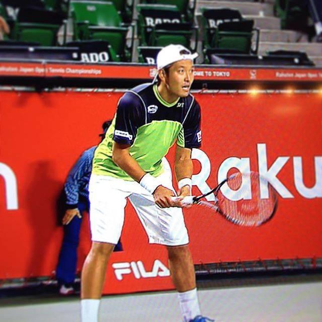 """taka on Instagram: """"楽天ジャパンオープン 頑張ってるのは錦織圭選手だけではありませんよぉー! 伊藤竜馬選手、ワウリンカ相手に健闘しています!ワンセットオールでファイナルセットツーブレイクダウンですが、気迫では負けてません!テニスは最後までわかりません!竜馬Go!…"""" (42790)"""