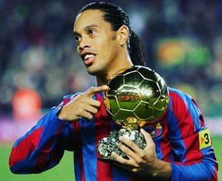 中トロさんはInstagramを利用しています:「天才…#ロナウジーニョ#元サッカー選手#神#サッカー#ブラジル#バルセロナ」 (43039)