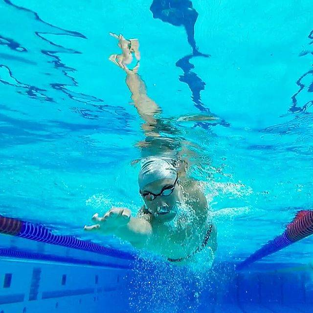 Swim 4 LifeさんはInstagramを利用しています:「#yuzmemania member @oznbyrm 💪  #swim4lifetr ------- While practicing #freestyleswimming skills the day before breaking the 25-29 yrs. 400…」 (43192)
