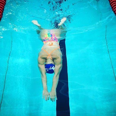 SwimWodさんはInstagramを利用しています:「Streamline is key! #breaststroke #swimming #training #streamline #headdown #swimmer #breaststroker #glide #swim #swimwod…」 (43344)