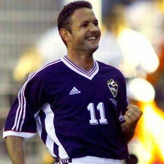"⚽Classic Football Pics⚽ on Instagram: ""#SinišaMihajlović #Yugoslavia #freekickارسالی(گروه) از:👇👇@mohammad.tbz.68 لینک گروه در #بیو پیج✌"" (44149)"