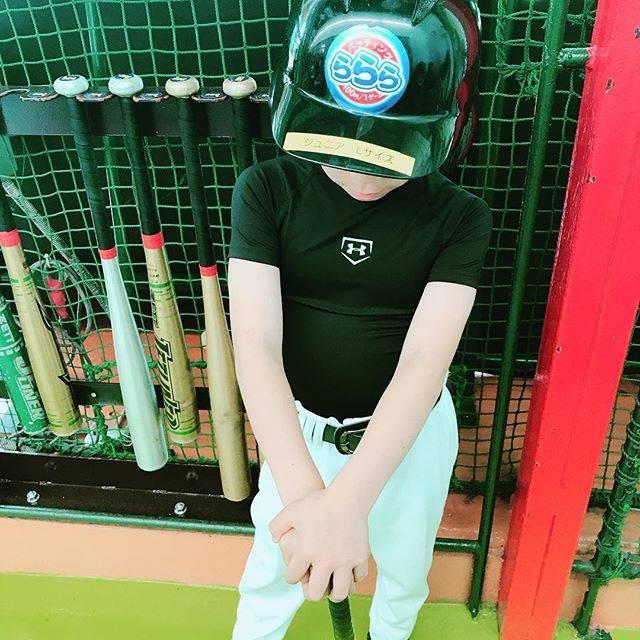 "Yukiko on Instagram: ""初めて練習着を着て、バッティング練習♪#野球少年#バッティング練習#野球初心者#まずは形から入るタイプ#バッティング練習"" (46026)"