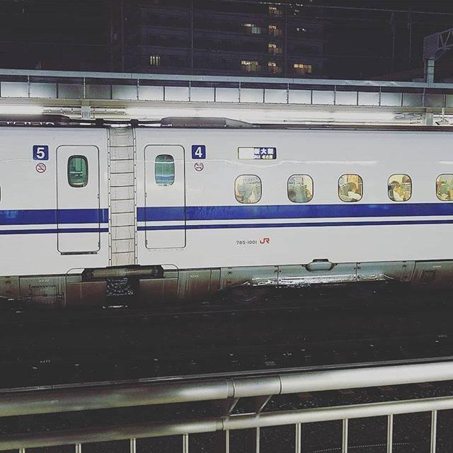 """がわわ on Instagram: """"東京前乗りでなのに大雨で遅れまくりしかし奇跡的に静岡にのぞみ止まっておる!ドア開けねーし(笑)すぐ行きやがったし(笑)#新幹線 #静岡駅 #奇跡的 #東海道新幹線 #もう #見れない #のぞみ"""" (47442)"""