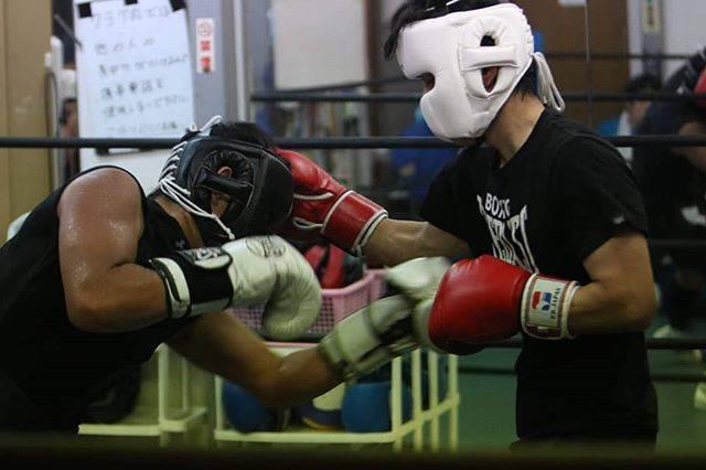"""Tomohiro  Furuya on Instagram: """"素敵な写真ありがとうございます😉👍🎶お気に入りです🎵#ボクシング#boxing #スパーリング#ミット打ち #スポーツ写真#スポーツ写真撮影 #格闘技#boxe #boxer #ボクサー"""" (47443)"""