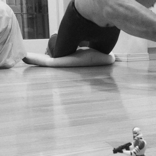 Suminori SatonoさんはInstagramを利用しています:「今日もお疲れ様でした😑 イライラしかせんけん、アブローラーして忘れようっと💪  #アブローラー #筋トレ #筋トレ動画 #workout #膝コロ #膝コロしかできません #立ちコロ #出来たら #ジェダイ #なれるかなw #starwars #3days…」 (48342)