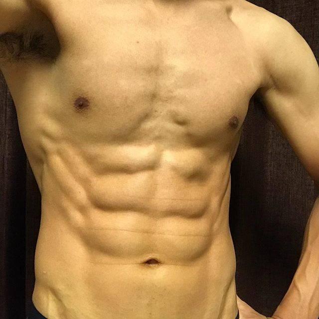 bulumanさんはInstagramを利用しています:「本日の腹筋体重57.0kg今週は気がついたら終わってました…腹筋しよ…#腹筋 #腹筋男子 #腹筋トレーニング #自宅トレーニング #トレーニング #体幹 #体幹トレーニング  #筋肉」 (48743)
