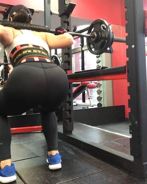 AYAKA(27)さんはInstagramを利用しています:「70kg×3#legday #スクワット #🍑」 (51435)