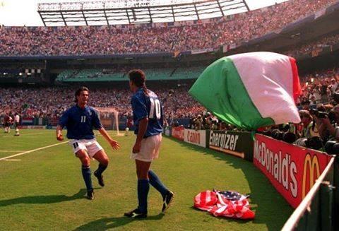 Roberto BaggioさんはInstagramを利用しています:「Mondiali Usa 1994#italia#italy#football#retro#footballretro#instagram#instaphoto#mondiali#calcio」 (53053)