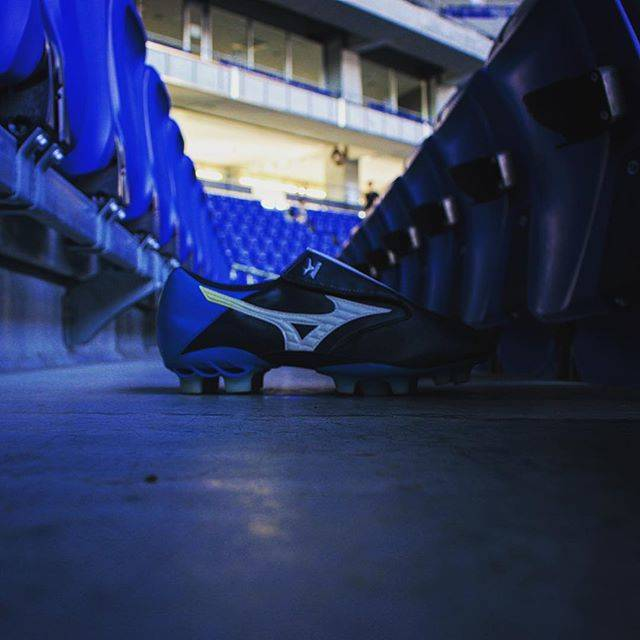 "Shunsuke Aoi on Instagram: ""#waveghost#mizuno#mizunofootball#football#footballshoes#studium#ミズノ#サッカースパイク#2009年#海外モデル#mizunomafia#mizunocrew"" (53511)"