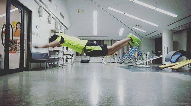 """Toshiya on Instagram: """". . 自分でも最近、 何目指してるのか分かりませんww . . . #トレーニング  #ワークアウト  #フィジカル  #フィジカルトレーニング  #サーキットトレーニング  #筋トレ #腹筋 #体幹  #体幹トレーニング #腹筋ワークアウト  #abs…"""" (56877)"""