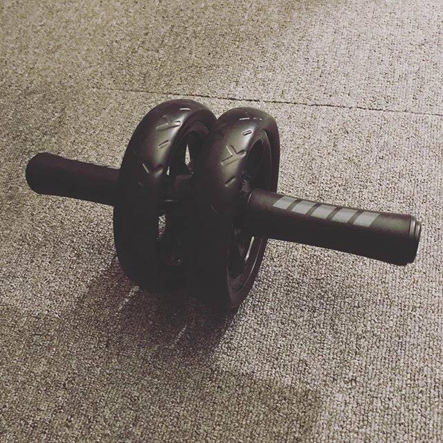 @noro_industries - Instagram:「お腹周りの肉が大分落ちてきたので、 腹筋を割ってやろうと腹筋ローラーを始めました☺️ ・ 効いてる感じはあるけど、割れるかな? ・ ・ #減量 #ダイエット日記 #ダイエット #サイクリング #エクササイズ #bicycle #training #cycling…」 (57709)