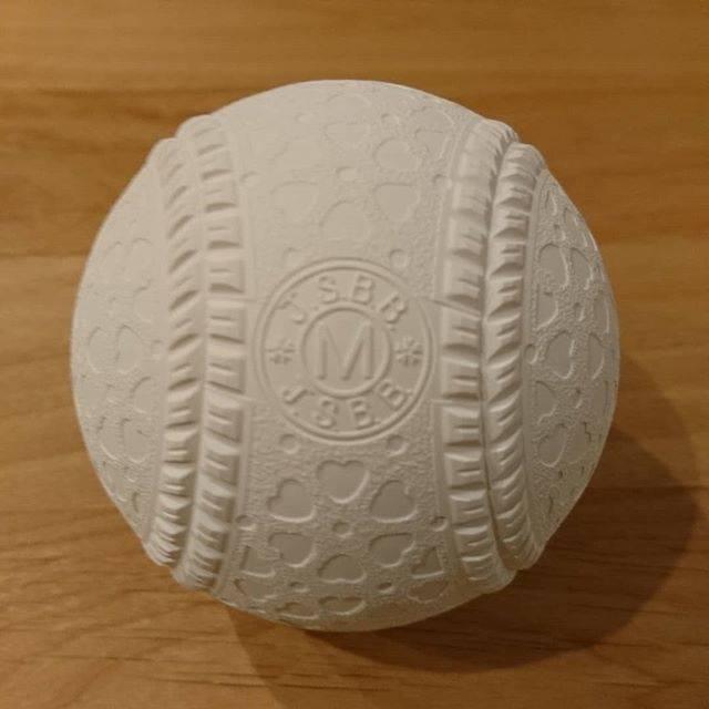 """三浦義史 on Instagram: """"今年から軟式野球の玉が変わります。握った感じは結構しっくりきてます🙆#軟式野球 #軟式球 #野球"""" (57953)"""