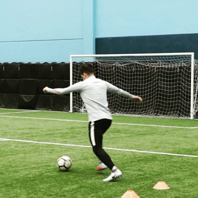 "Daniel Cappellaro on Instagram: ""Coutinho! @phil.coutinho-Phantom things at the amazing @elitefootballtf 😍 What a place to train!-#coutinho #nikephantom #craque"" (59379)"