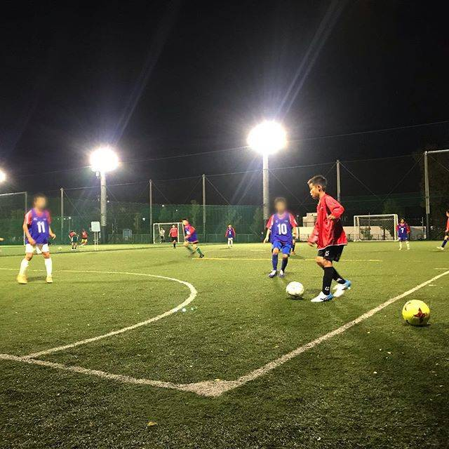 """Kaito on Instagram: """"スクール練 . もう東京の夜は寒いね スクールに通えるのも、残り4ヶ月。 まだまだ学ぶことは多いし 楽しんでやってほしいな ^_^ . Training of the Soccer School . #soccer #football #futbol #futsal…"""" (61768)"""