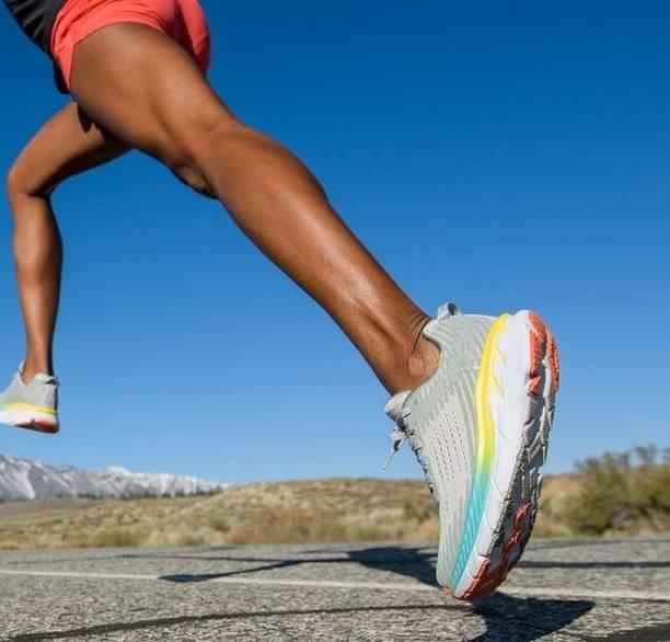 "SOME(Z)UP(サムズアップ) on Instagram: ""HOKA ONE ONE . CLIFTON 5 & BONDI 6 🏃 . ☑️ホカ オネオネの人気ランニングシューズに新色が登場! ☑️12月初旬発売🙌 . #hokaoneone #running #run #runningshoes #ホカオネオネ #ランニング…"" (63801)"