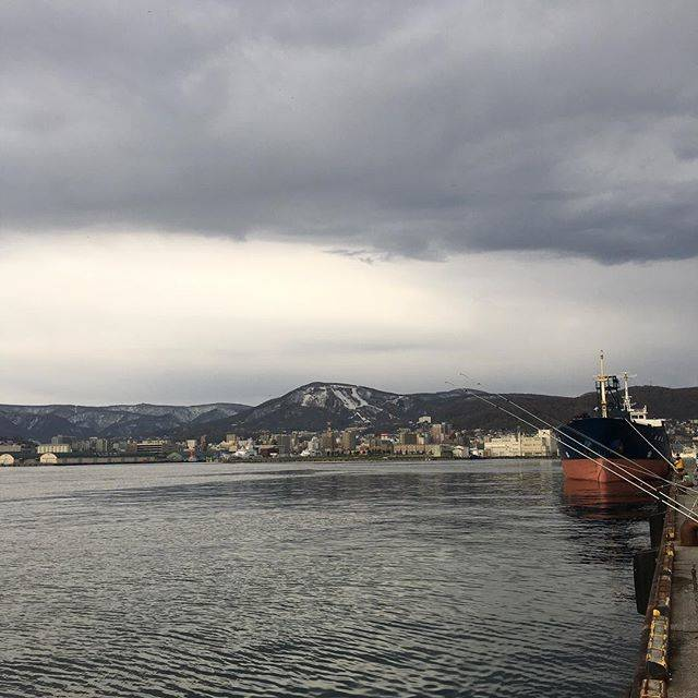 "goshin on Instagram: ""#小樽厩岸壁 #小樽港 #小樽市街 #小樽市"" (64474)"