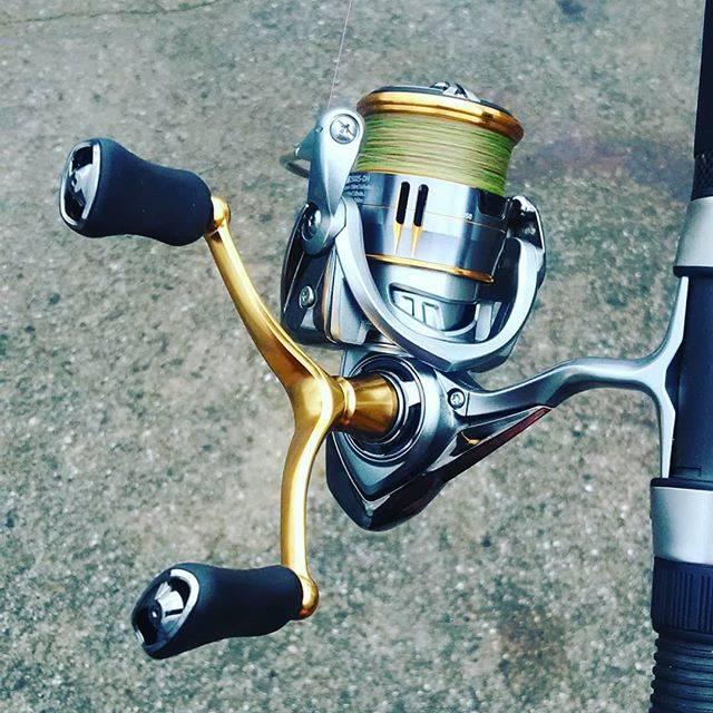 """ゴル君 on Instagram: """"ハッ!気づいたら…こんな物が!いつ買ったんだ。一体いつのまに…どーしよー(笑)#釣具屋に寄ると道具が増える病 #釣り #ジギング #リール #エギング #マイクロジギング#ダイワ"""" (66740)"""