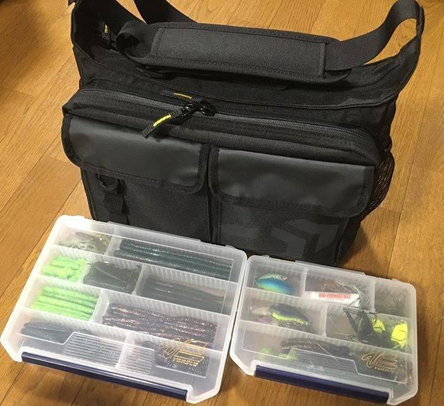 """@tomoyama6s on Instagram: """"#釣り #バス釣り #釣りバッグ #fishing #bassfishing #陸っぱり #ダイワ #daiwa  ちゃんとした釣り用のカバンがなかったので、新しい釣り用バッグ買いました! Amazonで3700円くらいでコスパ的にも最高で気に入りました!…"""" (66925)"""