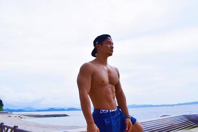 "Kazuki Utsunomiya 宇都宮一基 on Instagram: ""先日ボクシングをやりにいったら「かずきさんは大胸筋があるから、脇が閉まらなくて不利ですね。」って言われたよ。嬉し悲し〜"" (68121)"