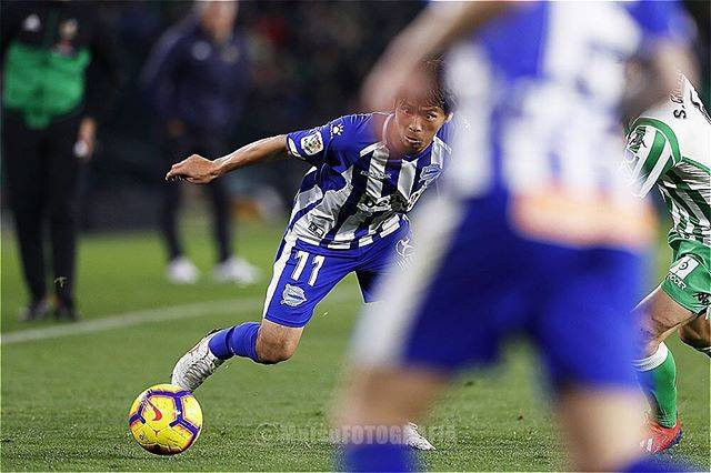"MutsuKAWAMORI on Instagram: ""Real Betis x Alaves, Benito Villamarín, Sevilla, Spain, Takashi Inui.  #realbetis #deportivoalaves #spain #sevilla #takashiinui…"" (71628)"