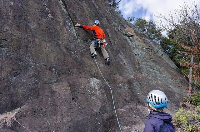 "Toshio Kinugasa on Instagram: ""山岳会で姫路の御着岩でロッククライミング。  This place called ""Gochaku rock"" Located in Hyogo pref Japan .  #御着 #六摩会 #山岳会  #岩登り #山好き #登山 #登山部 #アウトドア #ロッククライミング…"" (72347)"