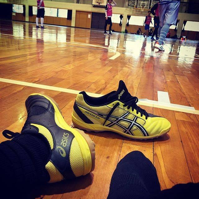 """詔平 葛西 on Instagram: """"暖かくなってきて最近はフットサルとランニングが楽しい日々。 久しぶりに2点決まりました⚽️ 新しいズックのせいでしょうか? 初めてのアシックス★ #フットサル #futsal  #体育館 #futebol  #jogabonito  #シューズ #shoes…"""" (74153)"""
