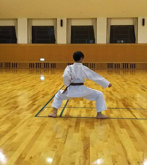 "masa on Instagram: ""今日の拓馬 一番乗りなんとか keep🙆今日は四股立ちを重点的に練習です。#空手#karate#四股立ち#左足が寝てる"" (75329)"