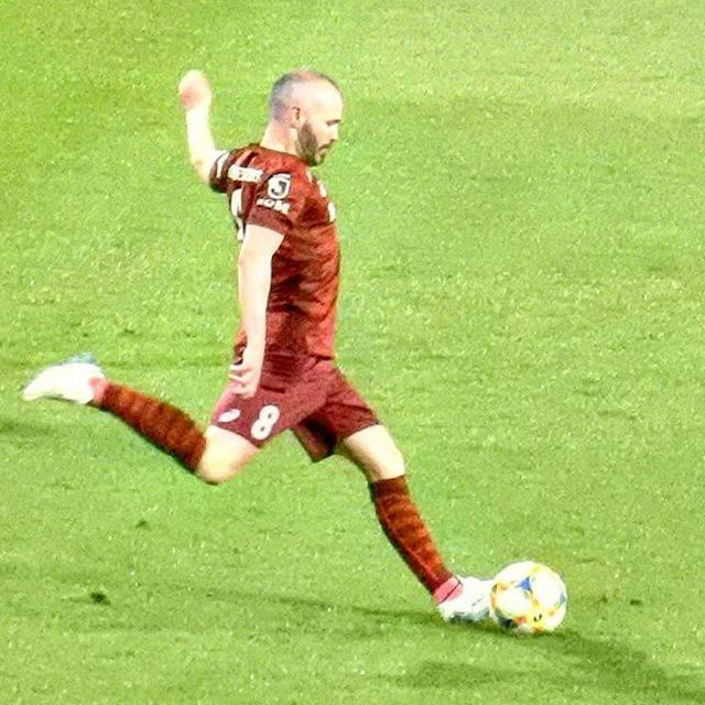 "hiromin on Instagram: ""新キャプテン😌 . #visselkobe #vissel #ヴィッセル神戸  #いつかのノエスタ  #イニエスタ #アンドレスイニエスタ  #iniesta #andresiniesta #captain #soccer #football #jleague #j1…"" (76393)"