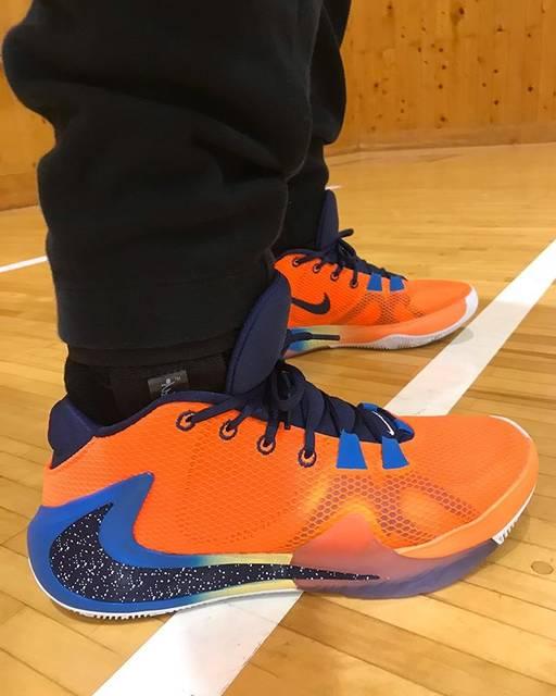 """いち on Instagram: """".リハビリシューティング⛹️♂️後1週間くらいで対人もできるようになりそう💪asoのサポーターもなかなか良さげです。.#nike #freak1 #antetokounmpo #basketball #nba #shoes#バスケ #バッシュ"""" (81433)"""