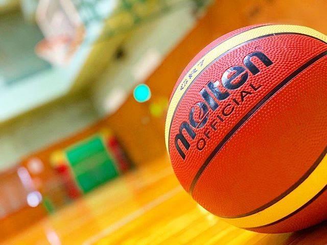 """みつ on Instagram: """". バスケday🏀 下手すぎて笑える🤣 うまくなりたいっ!!! ステップ難しい💦 . #バスケットボール #バスケ #初心者 #バスケ好き #basketball #スポーツ女子 #うまくなりたい #レイアップシュート練習 #教えてくださいな #スポーツ楽しい #適度な運動…"""" (82427)"""