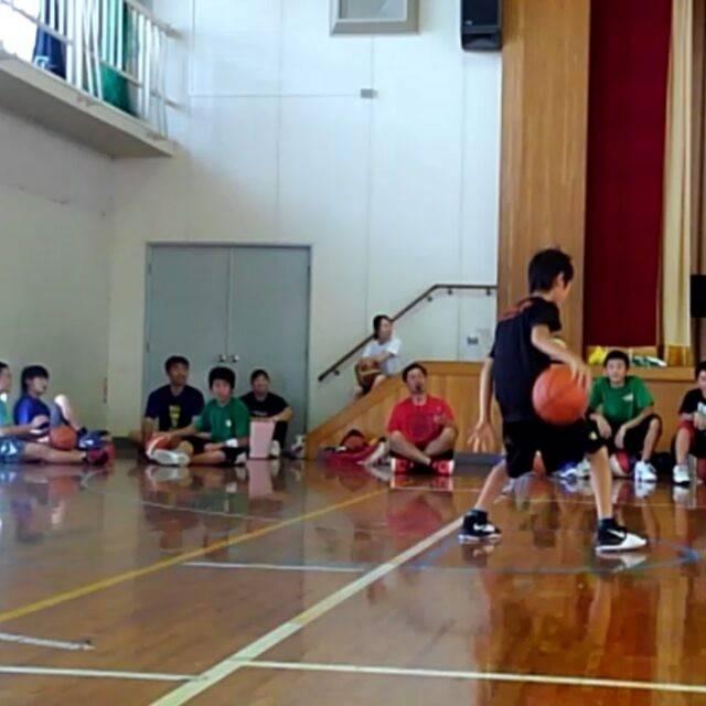 "Mizobuchi Ryozo on Instagram: ""#ミニバス #ミニバスケット #ミニバスケットボール #クラブ #レッグスルー #大会 #バックビハインド #練習 #トレーニング #basketball #legthrough #practice #training"" (82917)"