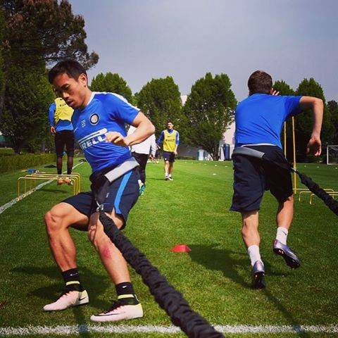 "YutoNagatomo 長友佑都 on Instagram: ""I worked with my friend at yesterday.We will do our best in today's match!! 今日の試合頑張ります!#ForzaInter #AppianoGentile  #Training"" (84103)"