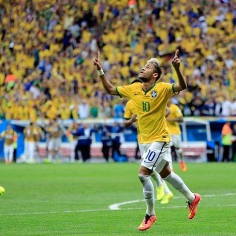"""Neymar on Instagram: """"来週、ブラジルに行きます。ネイマールはフランスに居るから会えないけど、いずれは、ネイマールにも会ってみせる。#サッカー#ネイマール#ネイマール好き #ブラジル代表 #海外旅行 #いいね返しは絶対"""" (85966)"""