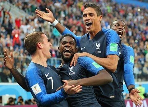 """サトー on Instagram: """"ロシアWカップフランスVSベルギー終わりましたね~楽しみにしていたので3時まで起きてたんですが、試合はじまったら寝落ち(笑) 気づいたら試合終了間近で、得点シーンみれず、試合終了後のダイジェストで見るといういつものパターン(笑)ずっーとこのバターン(笑)とほほ  #サッカー…"""" (88655)"""