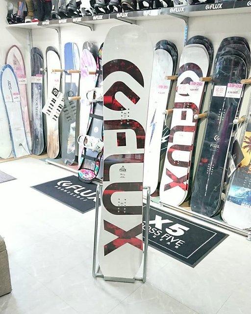 """snowboardshop Flag Up on Instagram: """"FLUX snowboards  FlagUpには試乗ボードを常備!  気になる方は店舗にて簡単な受付で、自分の好きなスキー場へ持って行ってお試しできます!  ぜひお気軽にご試乗ください! . . . . . 《今後のイベント》 👉12月21日22日…トップシーズン試乗会…"""" (96082)"""
