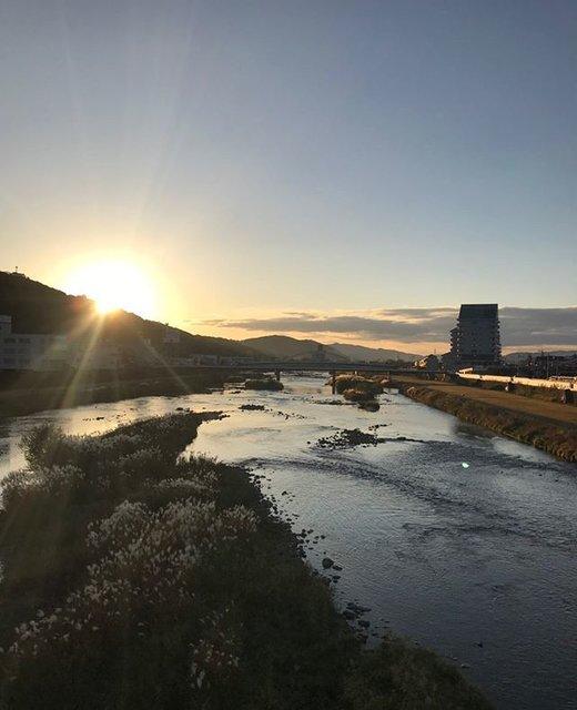 "Orimoto Hiroshi on Instagram: ""吉井川の夕日#岡山#津山#吉井川#夕陽#夕焼け#サンセット#sunset"" (97406)"