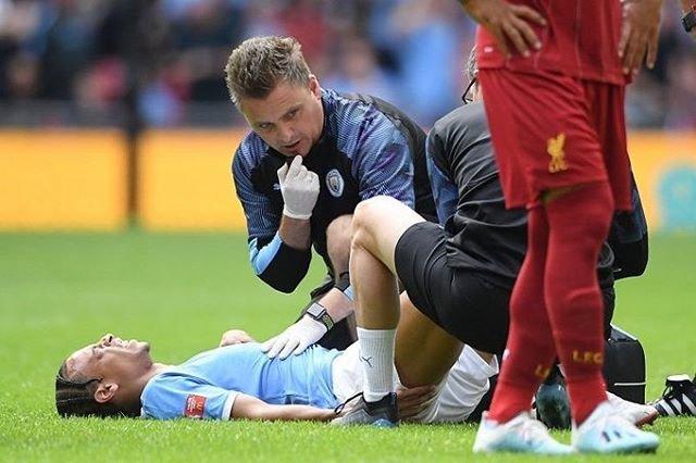 """@uta.soccer on Instagram: """"🏴コメント🏴 グアルディオラ監督、負傷交代のサネに言及「第一印象は良くなかったが...」 『#リヴァプール 戦に先発出場していた#サネ ですが、右ひざを負傷したことで途中交代を余儀なくされました』#グアルディオラ #監督 #途中交代 #負傷…"""" (98313)"""