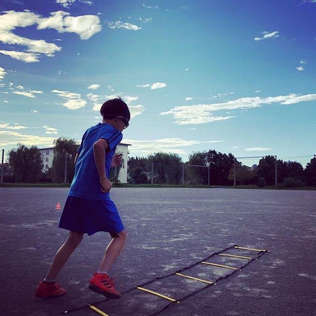 """Yamada Yoshitaka on Instagram: """"今日も朝練。来週の遠征メンバーに入りたいと頑張ってます。#サッカー #ラダートレーニング #遠征メンバー #朝練"""" (99338)"""