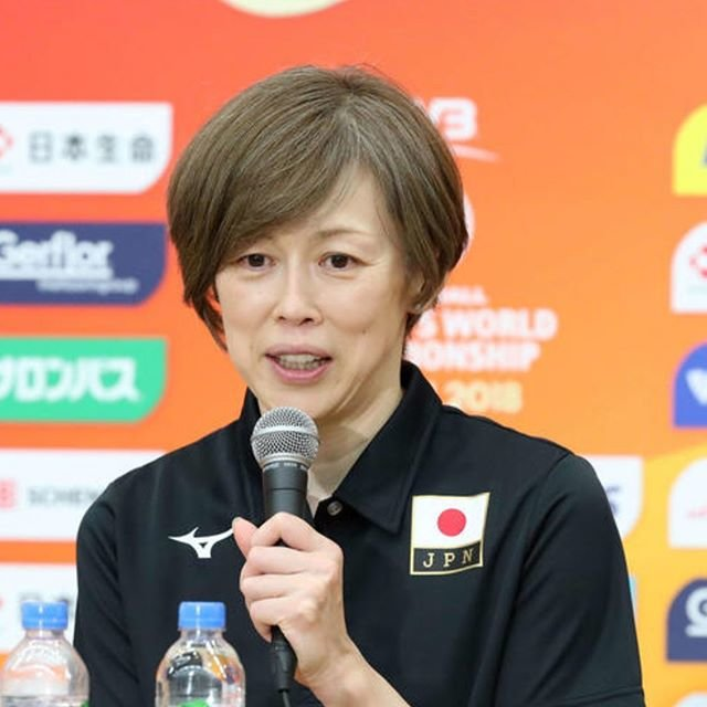"Yoshimitsu Nishimata 西俣良光 on Instagram: ""#Goodmorning #HappyBirthday#くみ の日 #中田久美 #volleyball 🏐"" (99401)"