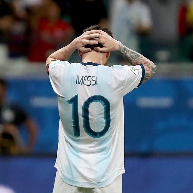 """サッカーキング on Instagram: """". 🇨🇴 Colombia defeated 🇦🇷Argentina (2019.06.15) . 📷Photo by Bruna Prado/Getty Images . #LionelMessi #Messi #メッシ #コパアメリカ #CopaAmerica…"""" (100400)"""