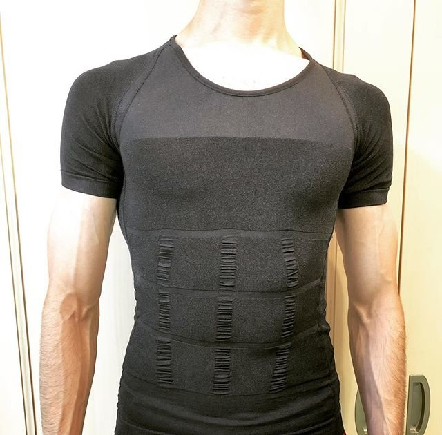 "Jesus (ヘスース) on Instagram: ""Japanese ""Kaatsu"" (added pressure) shirts emphasize your muscles and help improve your workout by applying constant pressure to your body!…"" (100762)"