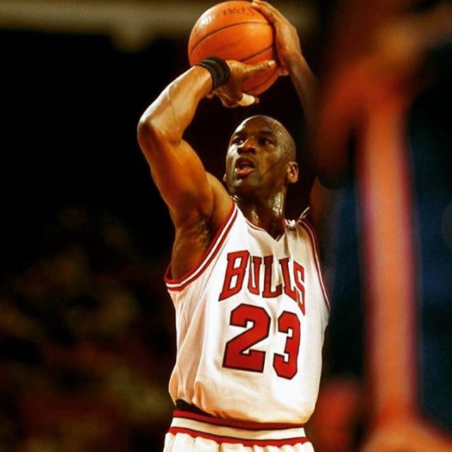 "chisa kawagoe☺️ on Instagram: ""✾ quote ・ 才能で試合に勝つことはできる。 だが優勝にはチームワークと知性が必要だ。 Talent wins games but teamwork and intelligence wins championship. by Michael Jordan 🇺🇸🏀 ・…"" (109285)"