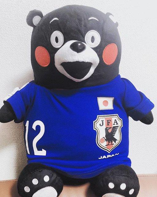 """yasuaki on Instagram: """"我が家にもくまモンが届きました! たまたま見つけた背番号12。これからのライブはこの子も同伴です!大事にします🐊#wanima#wanima好きな人と繋がりたい#くまモン#サッカー日本代表#サムライブルー#背番号12#記念日"""" (109810)"""