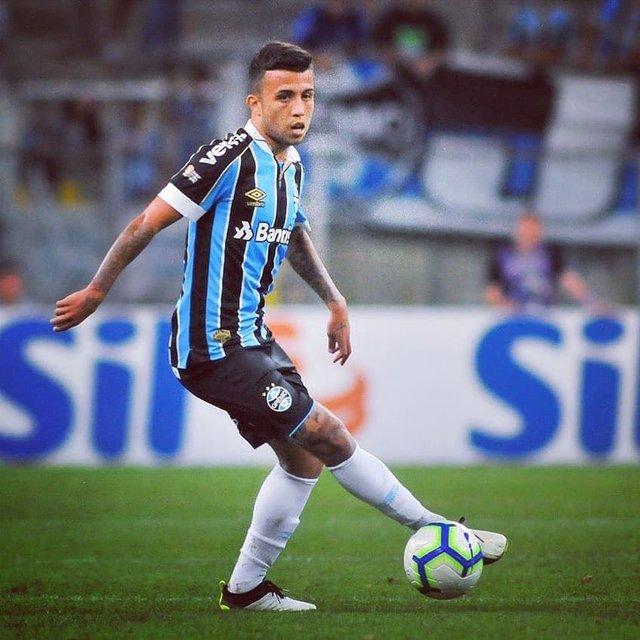 """@futebol_ta_ok on Instagram: """"América 0-2 Grêmio  @matheushenriquee97 aumenta a vantagem do @gremio diante do América na Colômbia!!!! . . . . Tags:#messi #haaland…"""" (113717)"""