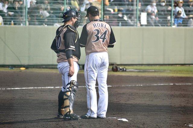 "jun on Instagram: ""ㅤㅤㅤㅤㅤㅤㅤㅤㅤㅤ ㅤㅤㅤㅤㅤㅤㅤㅤㅤㅤ 撮り逃したんだけど、みっくんがマウンドに上がる前にうさみんが1人でマウンドを綺麗に。 今日のオープン戦でもそういう場面映っていて、やっぱりうさみんのこういう姿が素敵だなあと思いました🐰  #北海道日本ハムファイターズ #宇佐見真吾…"" (115076)"